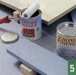 Детали из многослойной фанеры вскрывают прозрачным лаком, из МДФ — акриловой краской