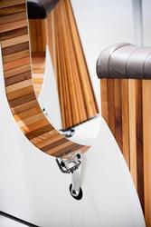 Стол со встроенным велотренажером