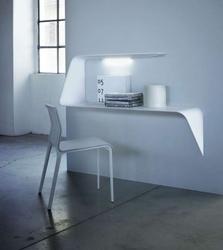 Полка и письменный стол в одном предмете