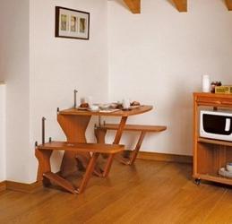 откидной настенный столик и стульчики к нему